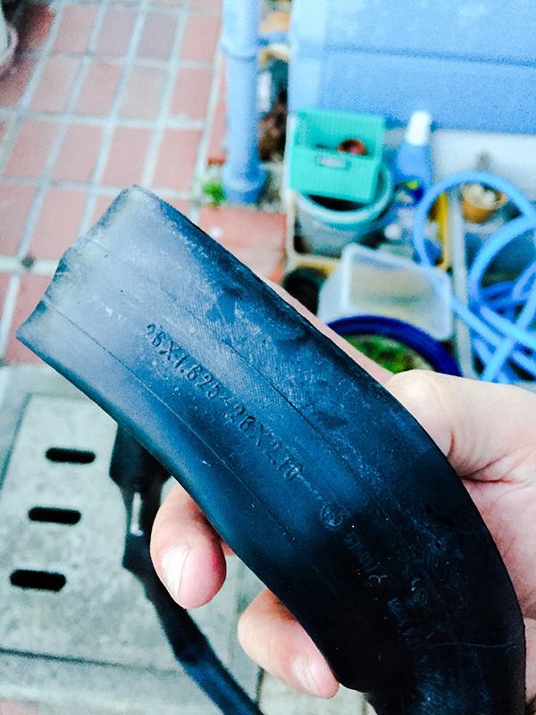 GIANTのビーチクルーザーのタイヤチューブを修理