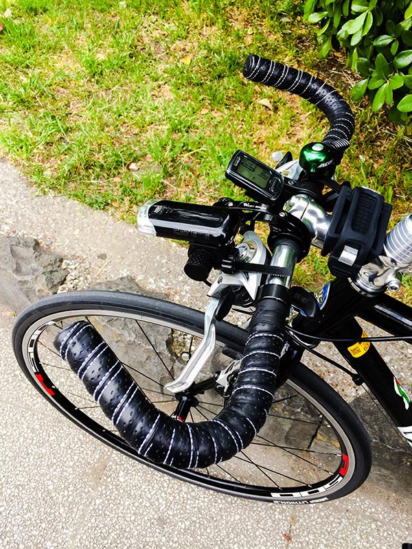 ハンドルをブルホーン化したクロスバイク