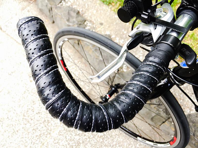 バイク ハンドル 交換 クロス