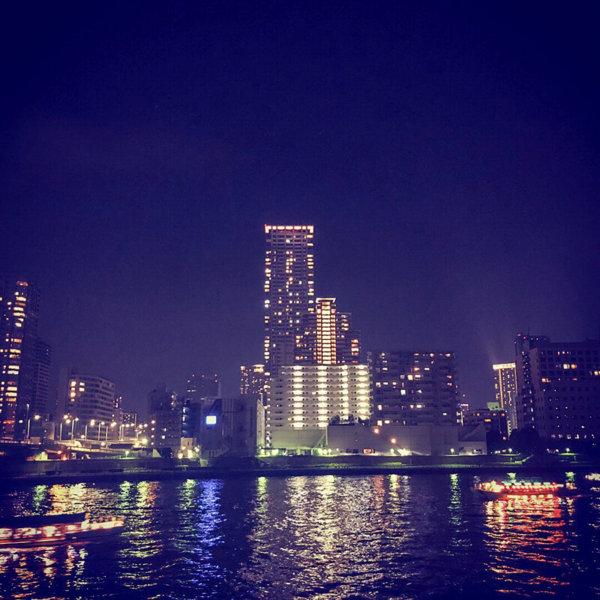 夜もふけて、築地・月島あたりの夜景